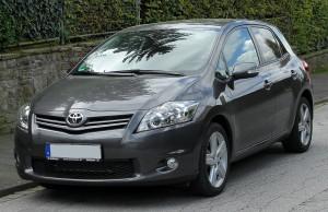 Toyota auris automobilis